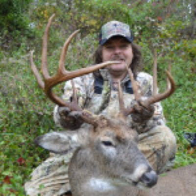 ohio-deer-hunting-mound-hill-whitetail-trophy-photo-3