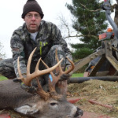 ohio-deer-hunting-mound-hill-whitetail-trophy-photo-8